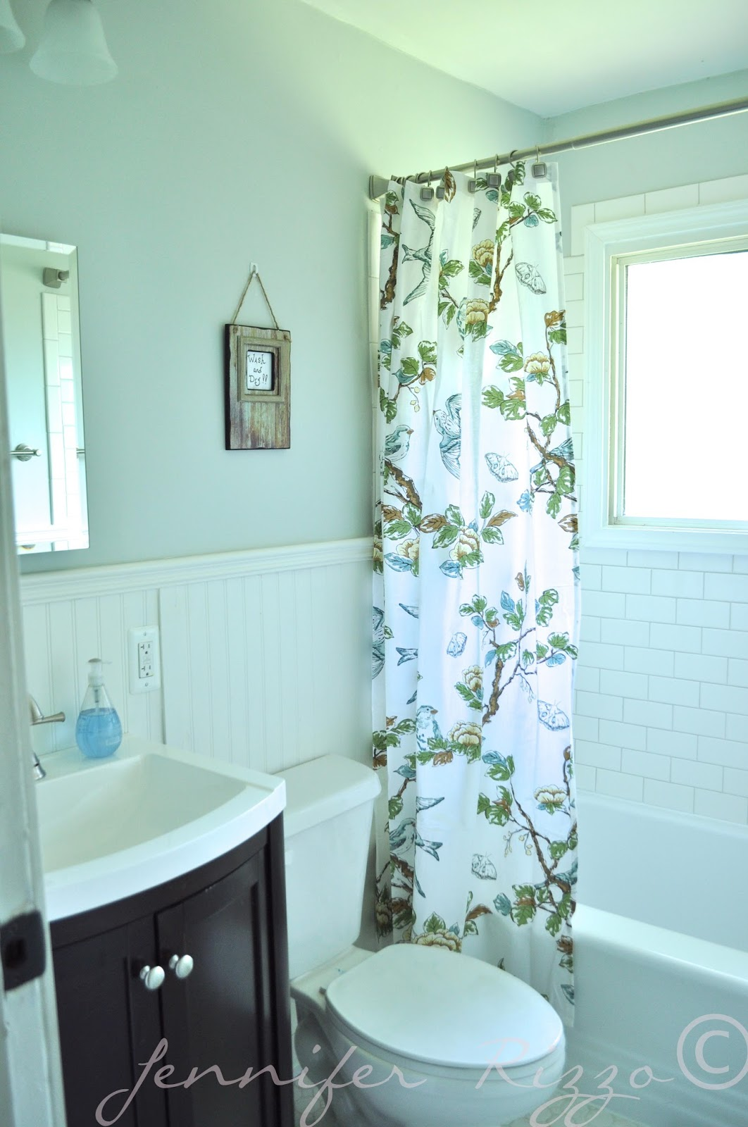 bathroom-wonderful-blue-shade-vintage-bathroom-tile-patterns-in-classic-kitchen-design-ideas-with-floral-pattern-bathtub-drapes-adorable-vintage-bathroom-tile-patterns-for-your-fabulous-bathroom