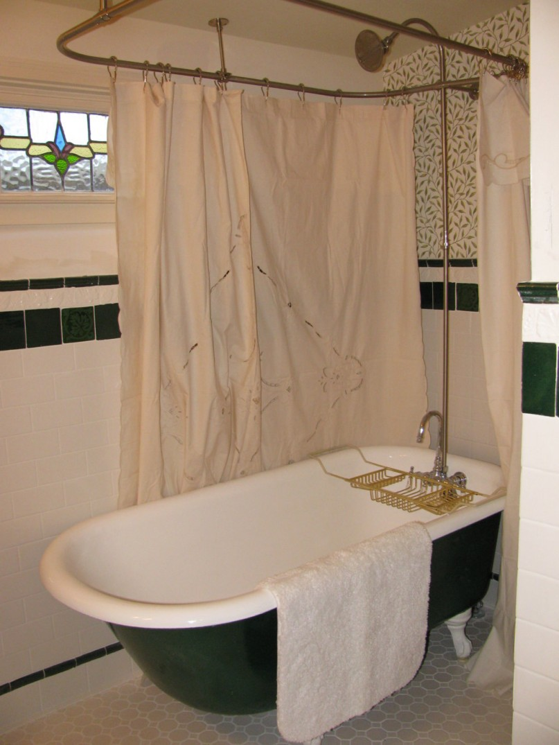 Clawfoot Tub Bathroom Design Ideas ~ Interesting ideas and pictures of vintage style
