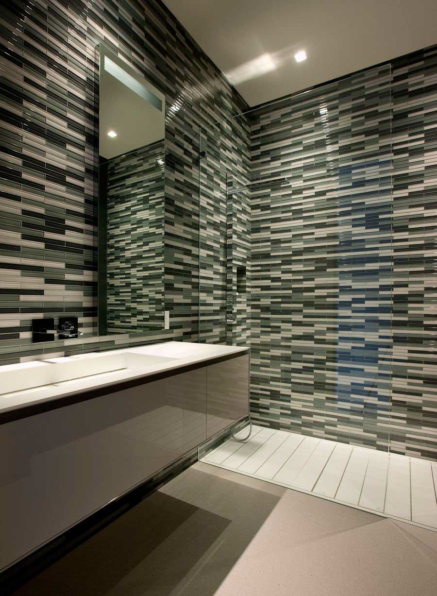 50 magnificent ultra modern bathroom tile ideas photos for Cool bathroom tiles