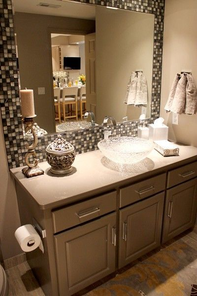 32 Ideas Of Using Mosaic Tile Around Bathroom Mirror 2019