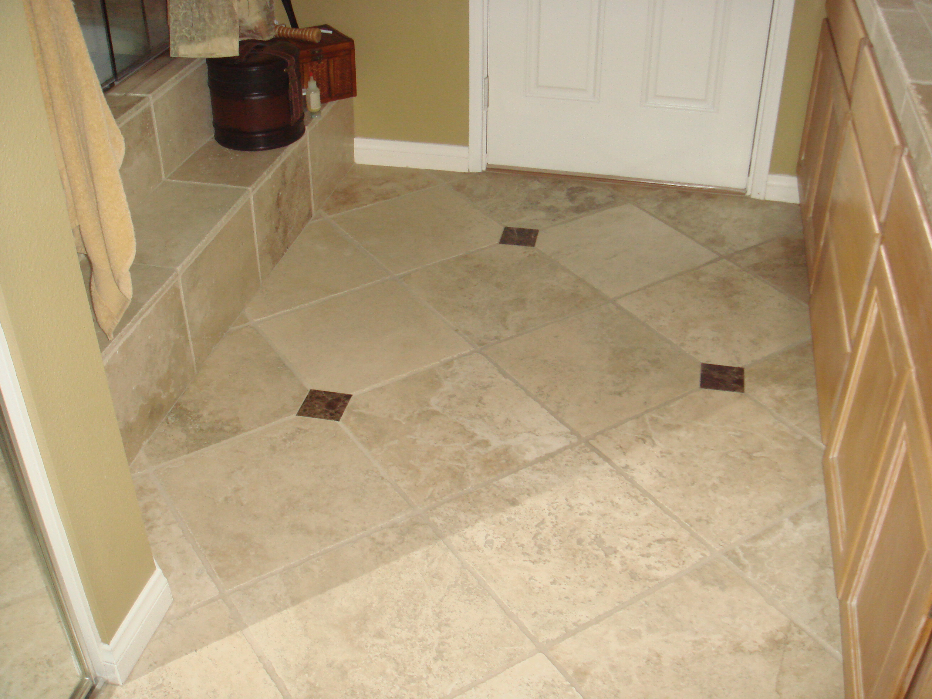32 amazing ideas and pictures of the best vinyl tiles for for Bathroom floor tile ideas