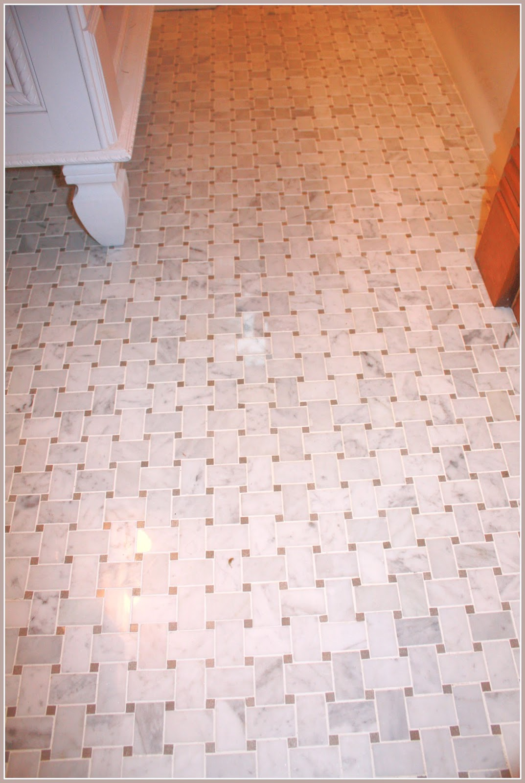 Basket weave floor tile decoration using white marble basketweave tile for bathroom flooring dailygadgetfo Choice Image