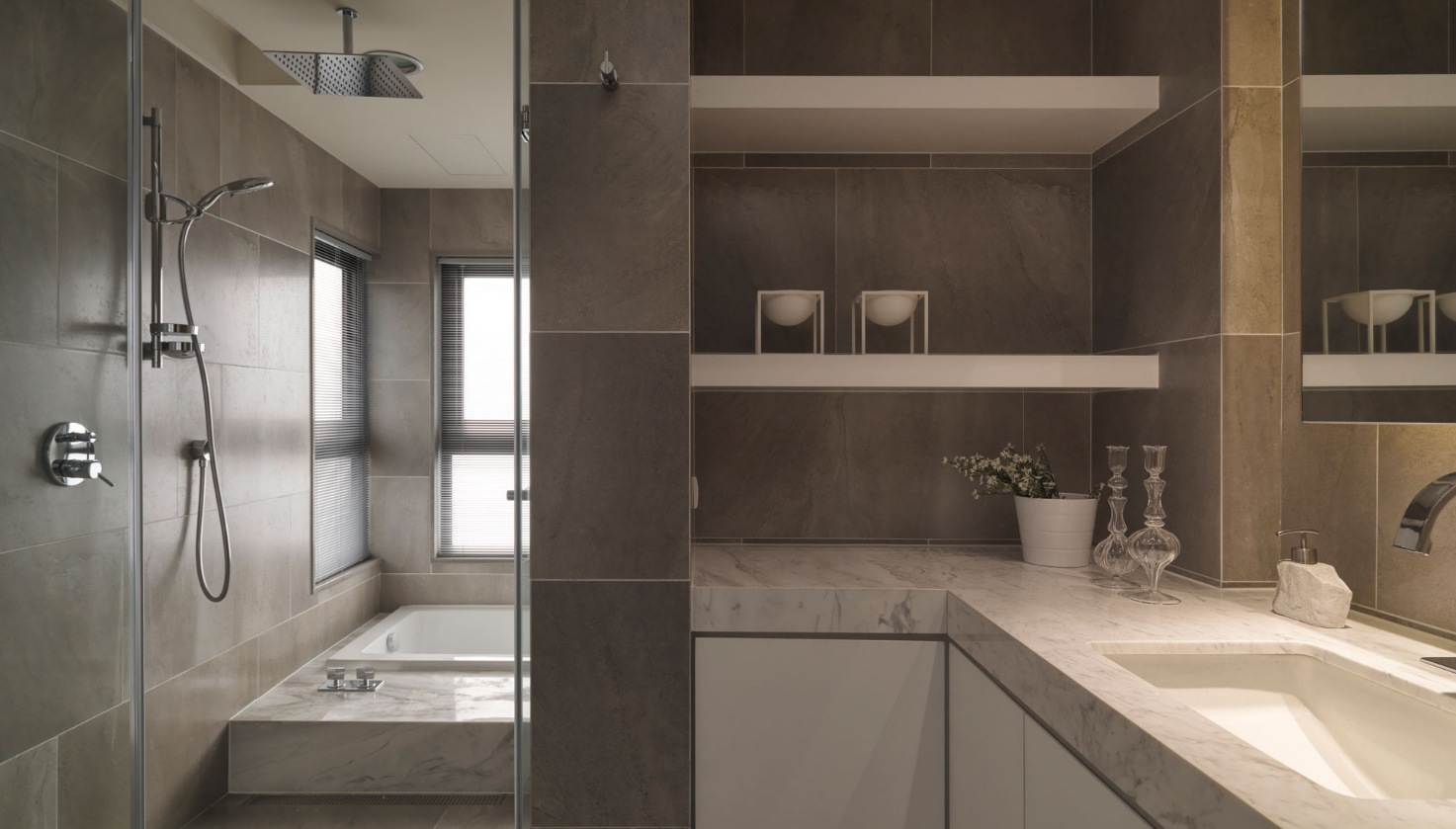 neutral-contemporary-space-bathroom