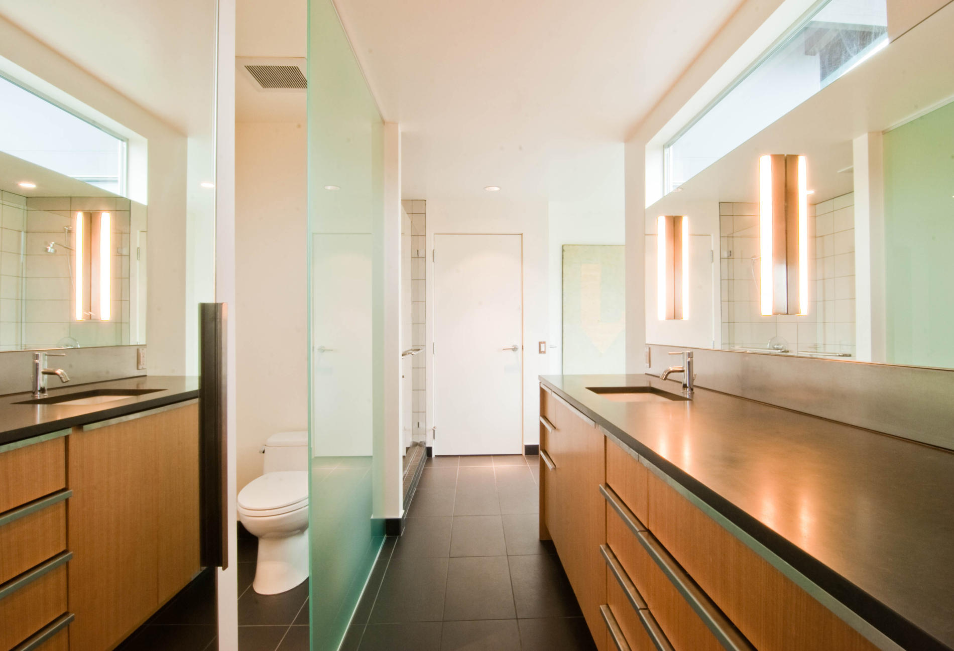 27 amazing ideas and pictures of mid century modern for The bathroom designer