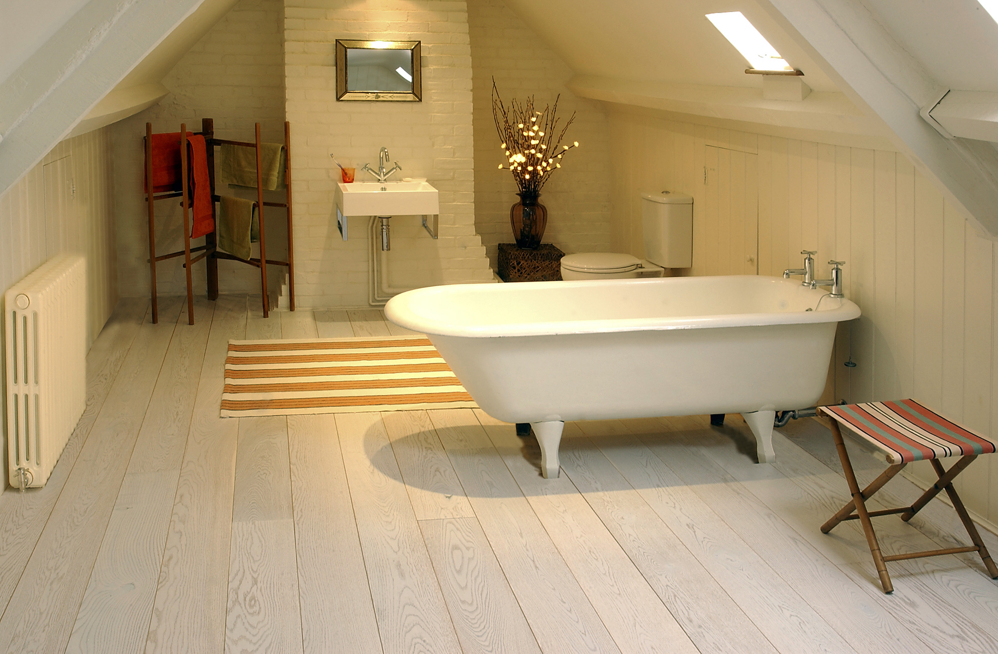 oak-engineered-white-washed-oiled-180mm-bathroom
