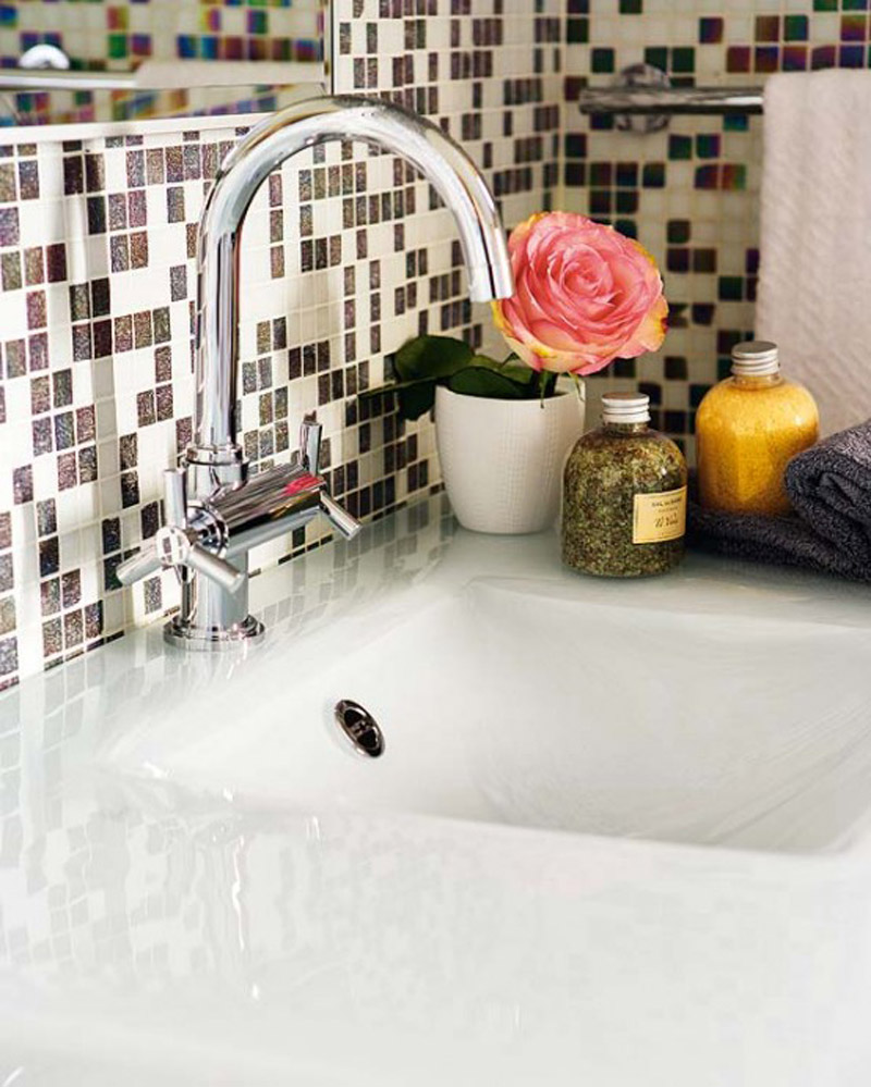 retro-cool-original-yet-bathroom-faucet-design