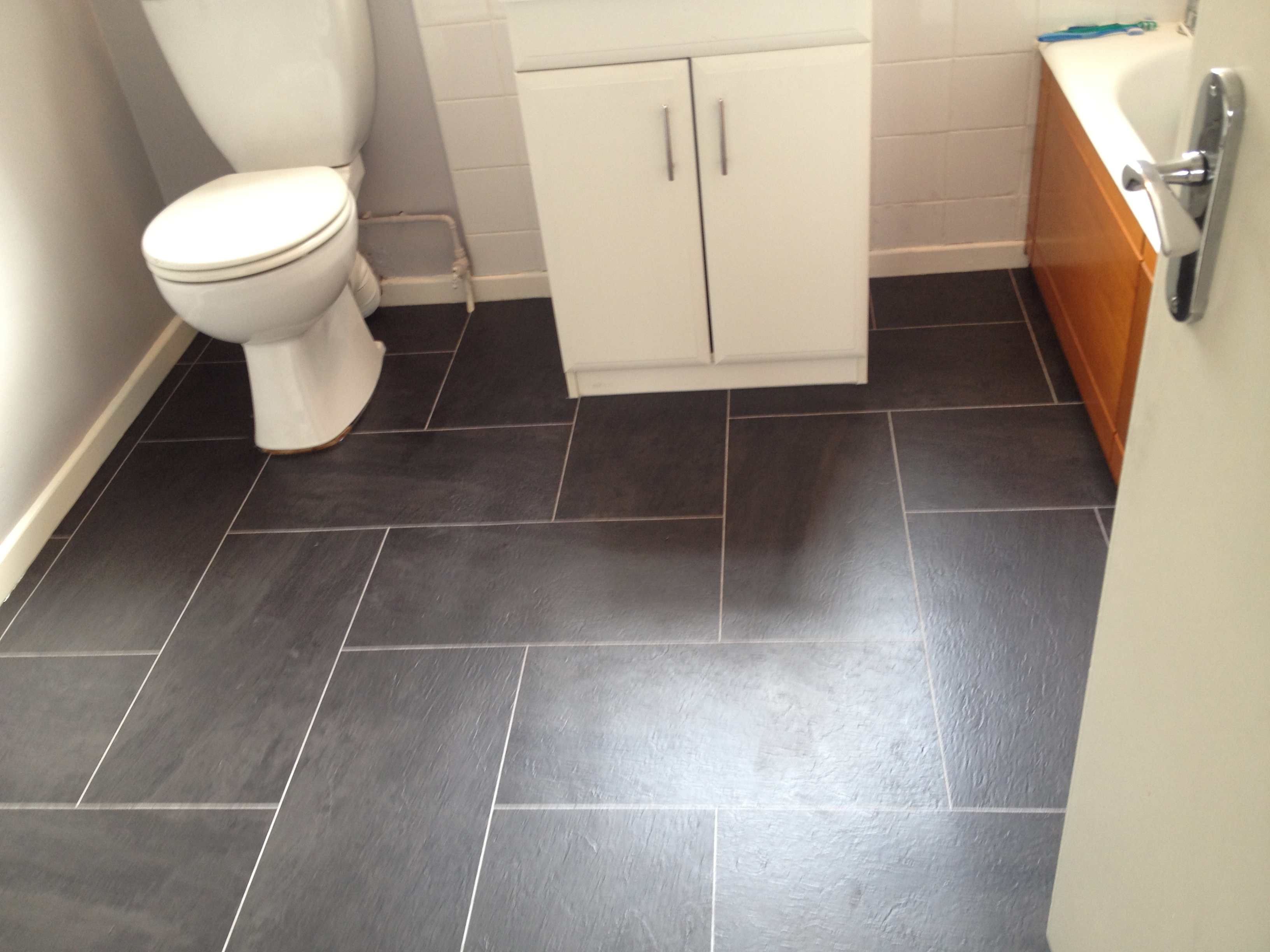 vinyl bathroom flooring ideas 30 amazing ideas and pictures of the best vinyl tile for 22600