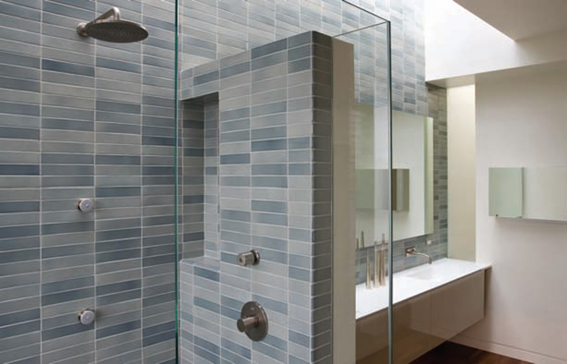 50 magnificent ultra modern bathroom tile ideas photos for Glass tile bathroom designs