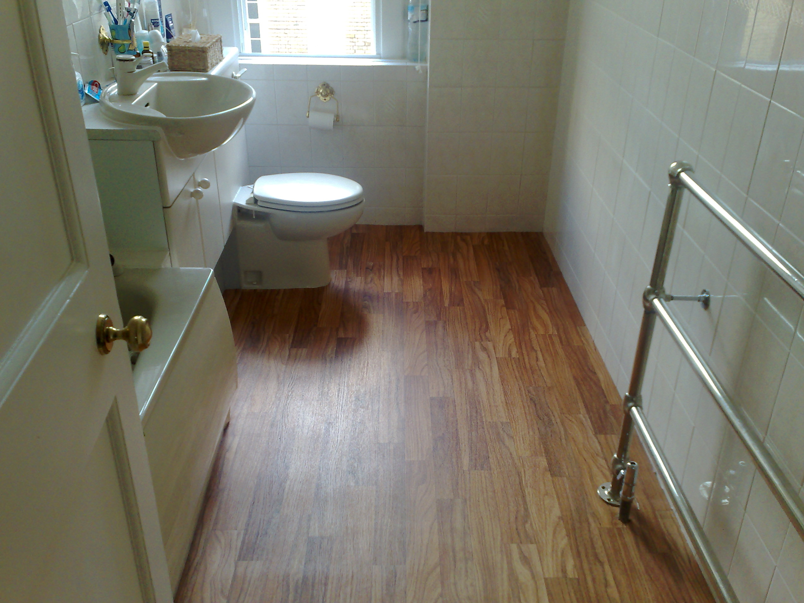 Tiled Bathroom Floors 30 Great Ideas And Pictures Of Self Adhesive Vinyl Floor Tiles For