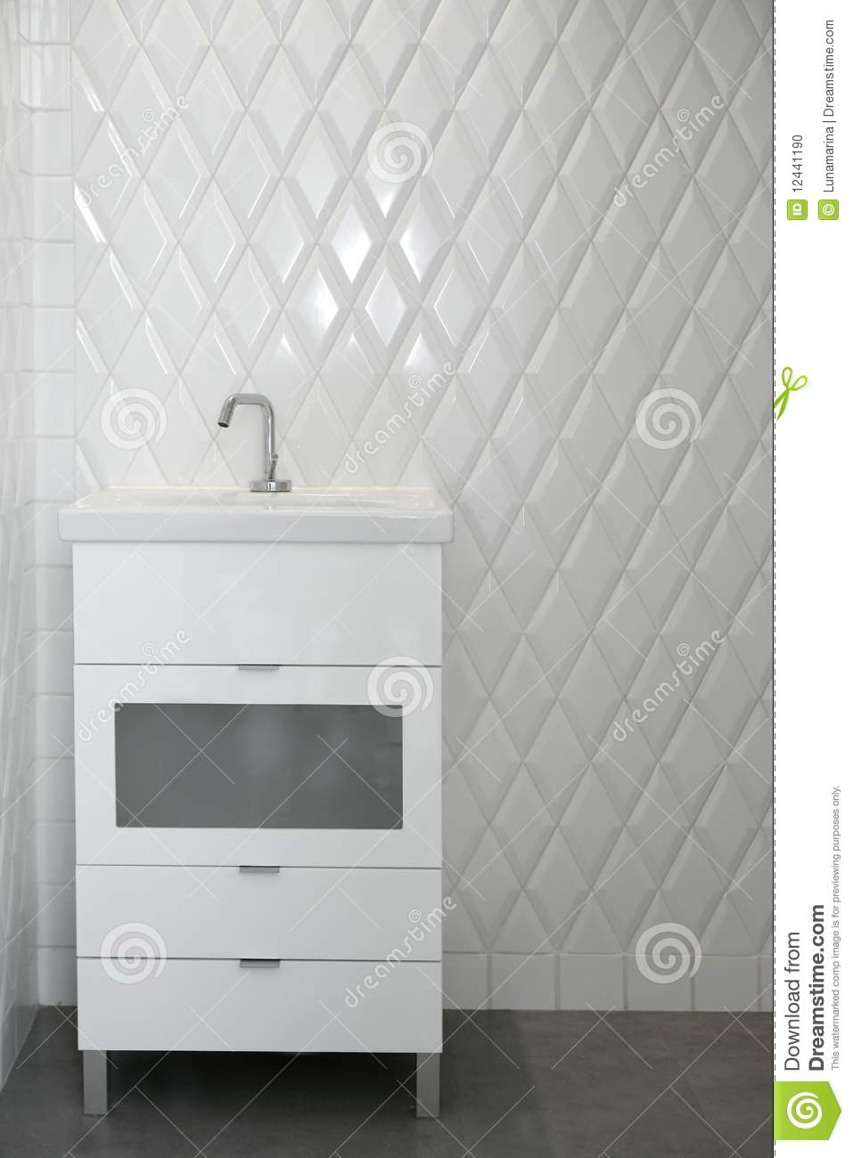 toilet-sink-white-room-diamond-shape-tiles-12441190