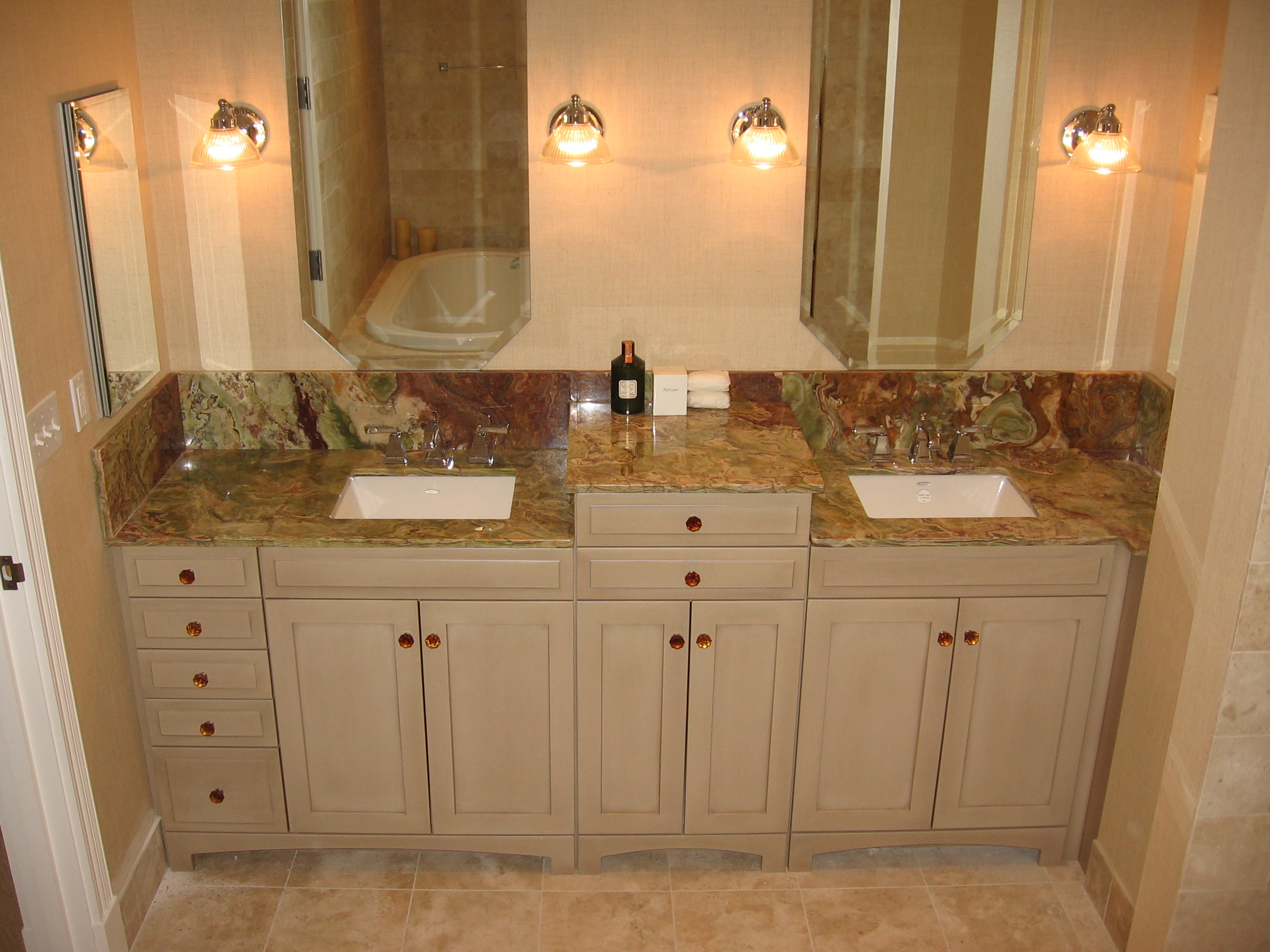 Natural stone effect wall tiles roselawnlutheran for Bathroom designs natural