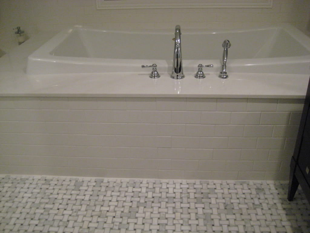 30 great pictures and ideas basketweave bathroom floor tile for Bathroom floor tile ideas