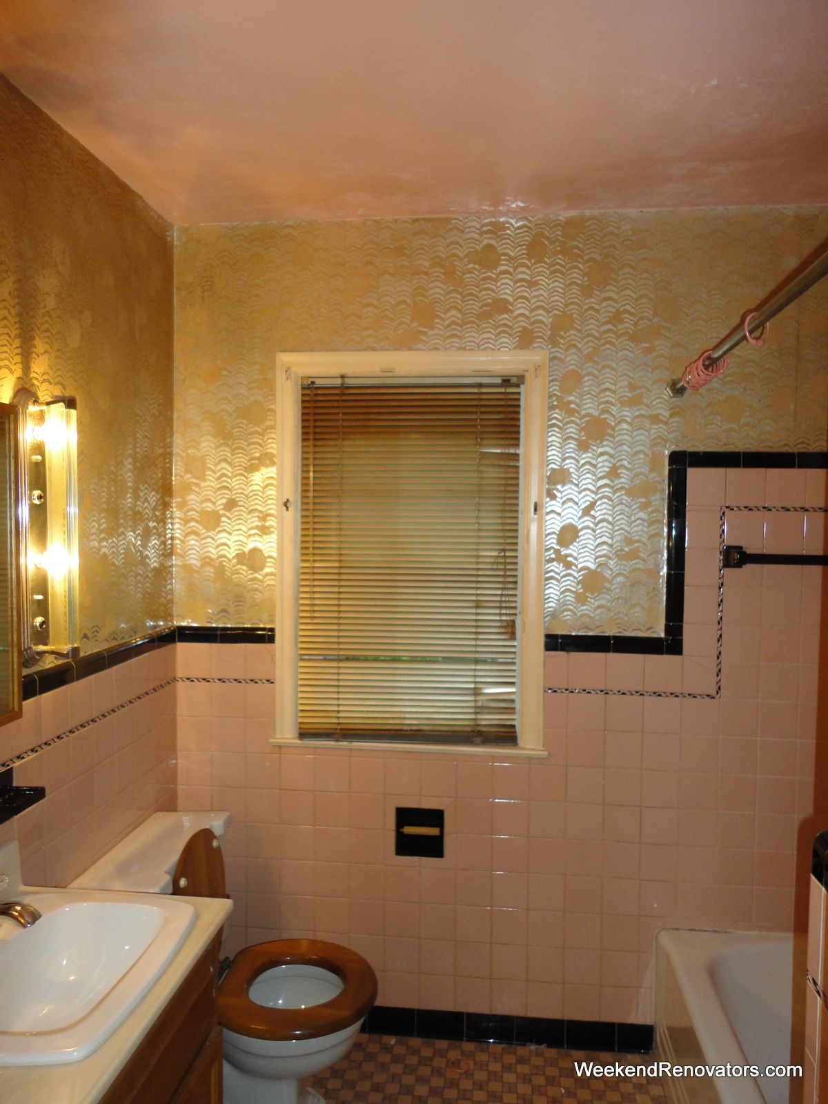 25 Wonderful Pictures And Ideas Of Gold Bathroom Wall