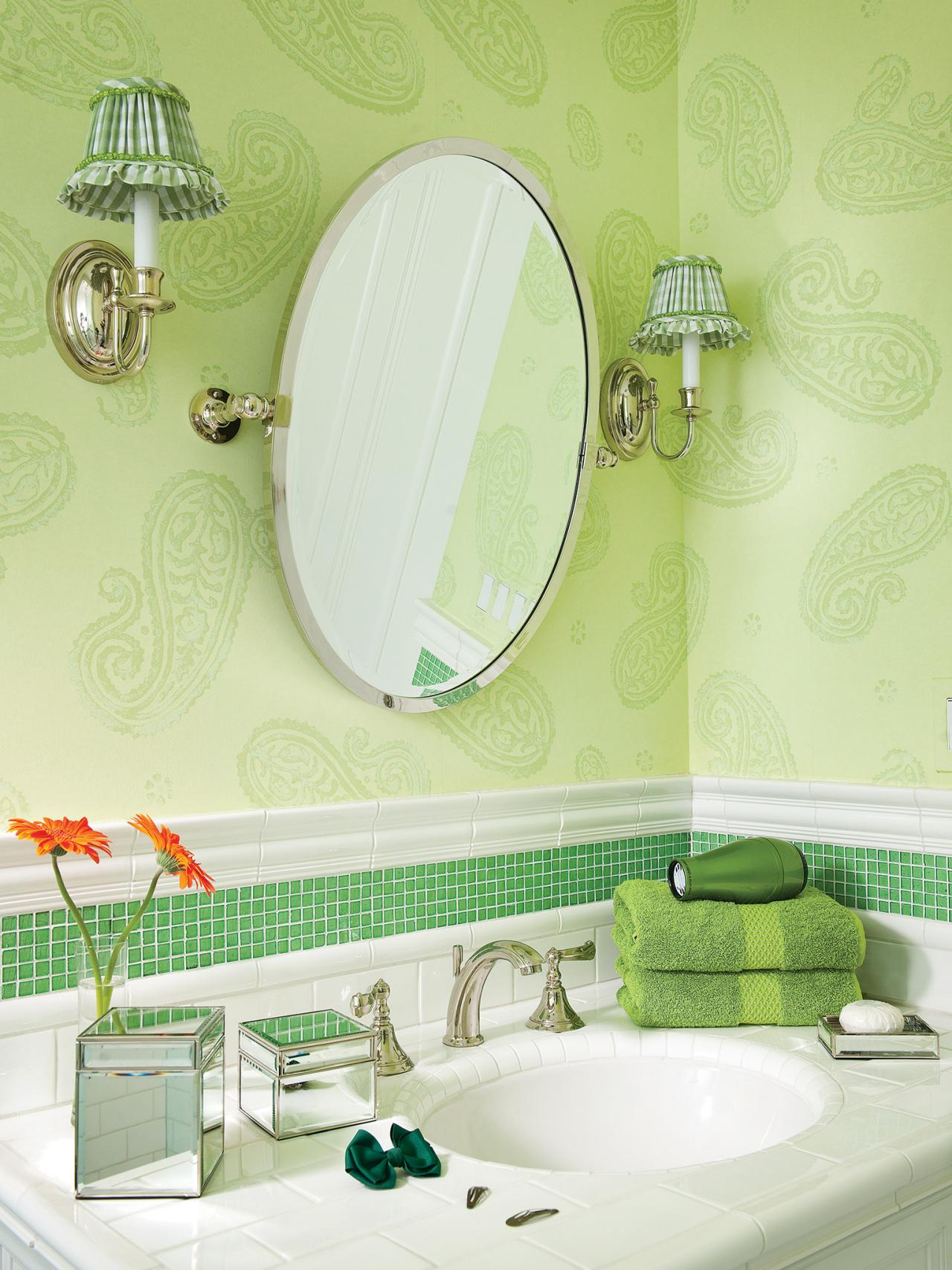 CI-Allure-of-French-and-Italian-Decor_Green-White-Bathroom-Pg79_3x4.jpg.rend_.hgtvcom.1280.1707