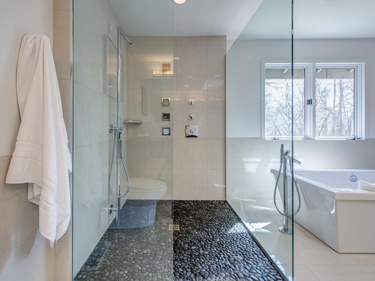 RS_Joni-Spear-white-contemporary-bathroom-shower_h.jpg.rend.hgtvcom.1280.960