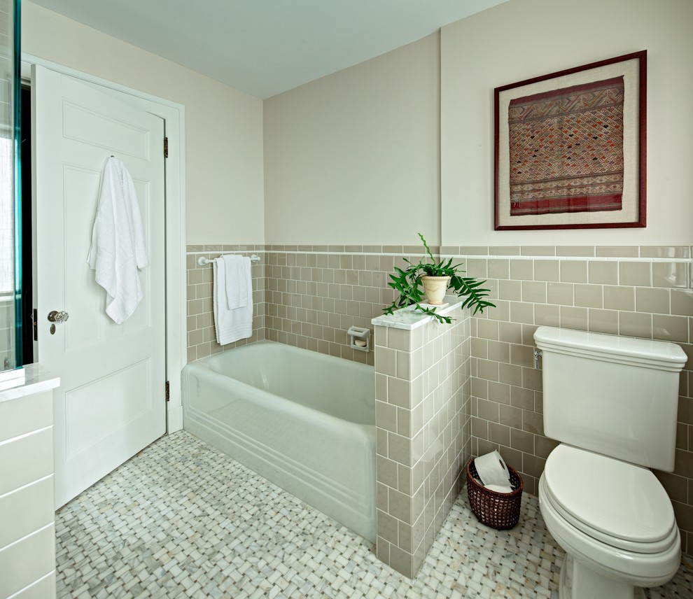 Stunning-Basketweave-Tile-decorating-ideas-for-Bathroom-Traditional-design-ideas-with-Stunning-4x4-tile-alcove