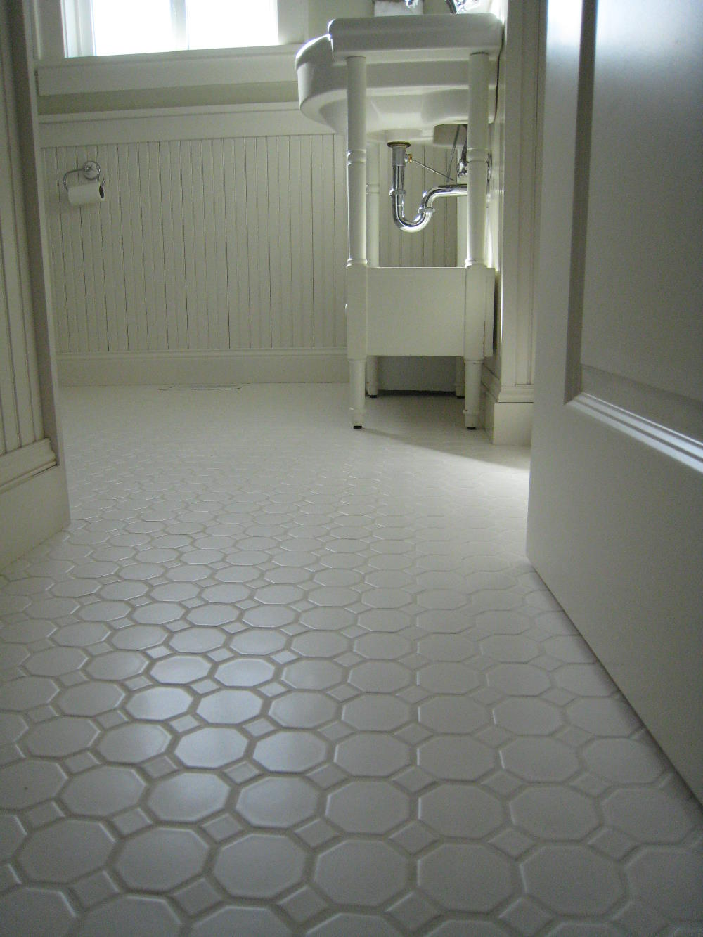 24 amazing antique bathroom floor tile pictures and ideas for White tile flooring ideas