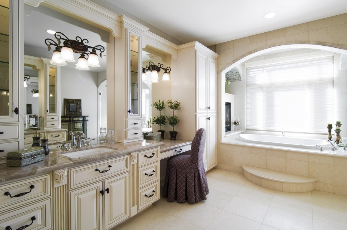 Traditional Bathrooms Designs. Bathroom Design Grand Traditional Salon Ideas