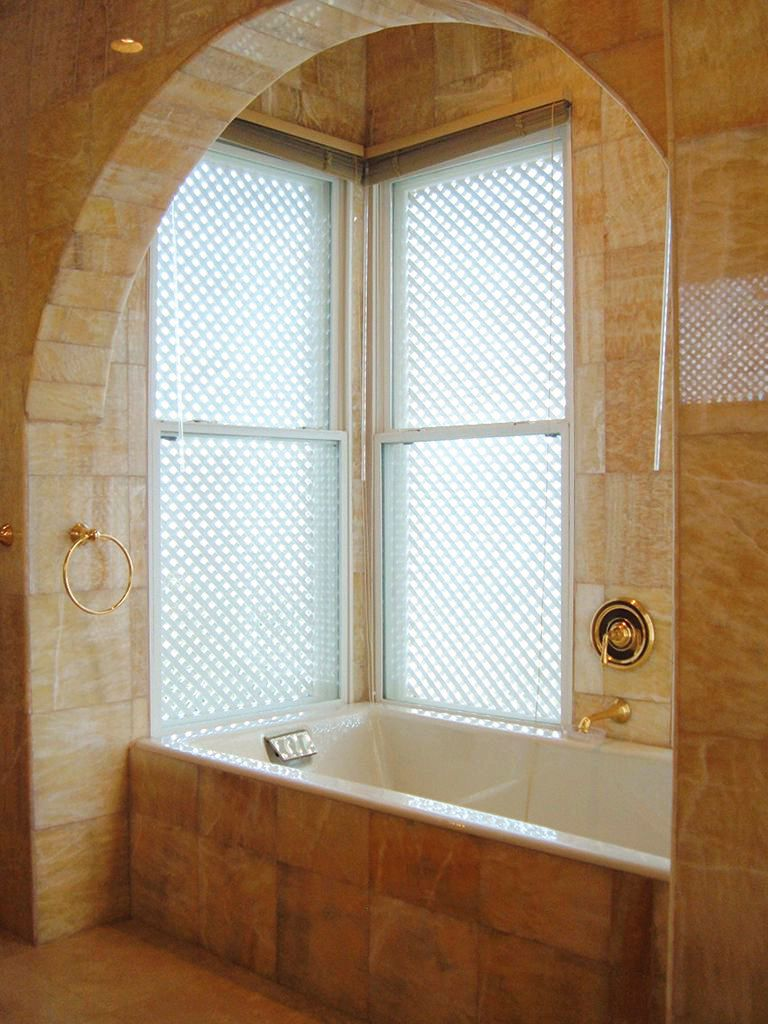 Image gallery italian villa bathroom for Jamaican bathroom designs
