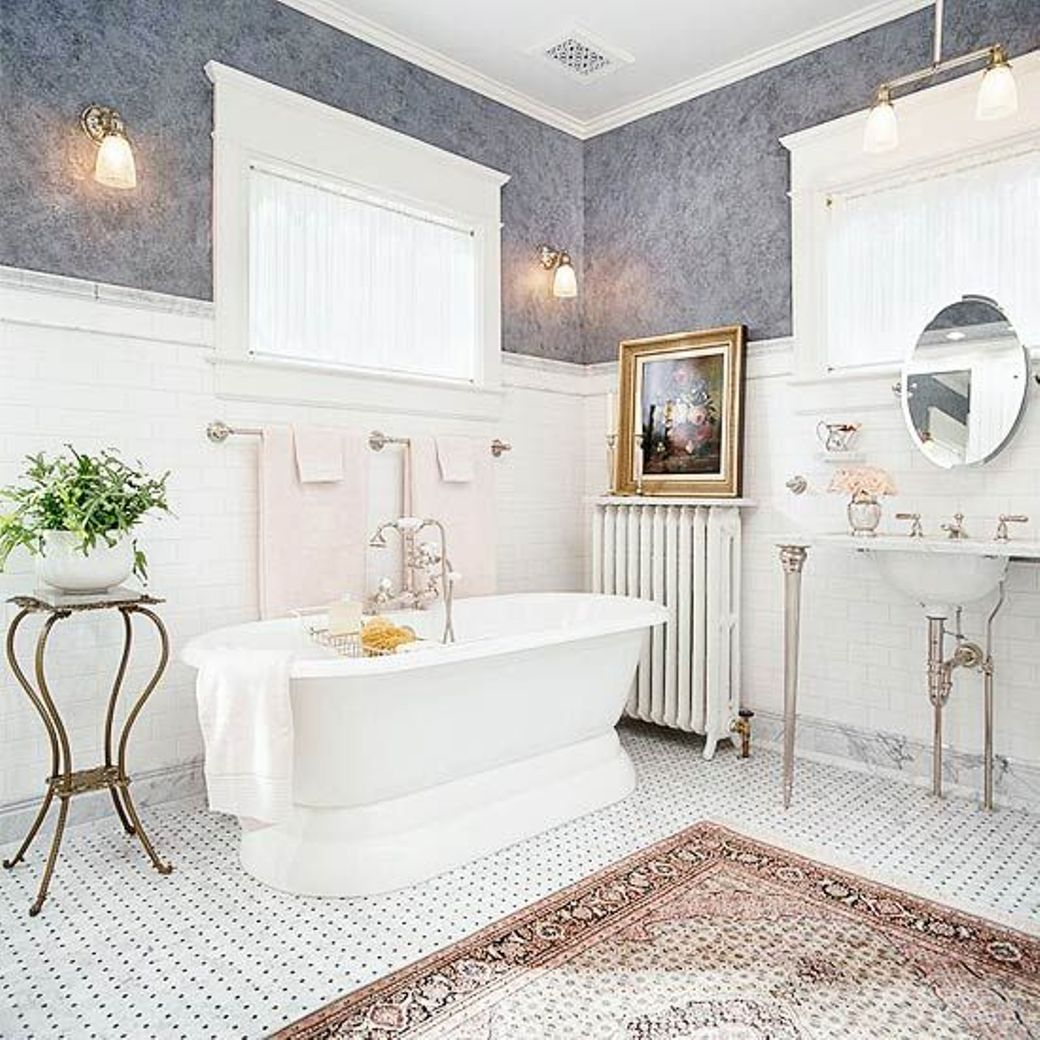 Traditional bathroom ideas - Breathtaking White And Gray Colour Scheme Master Bathroom