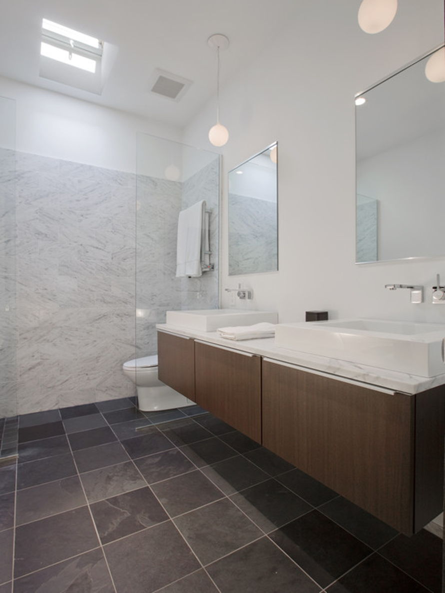 contemporary-bathroom_373