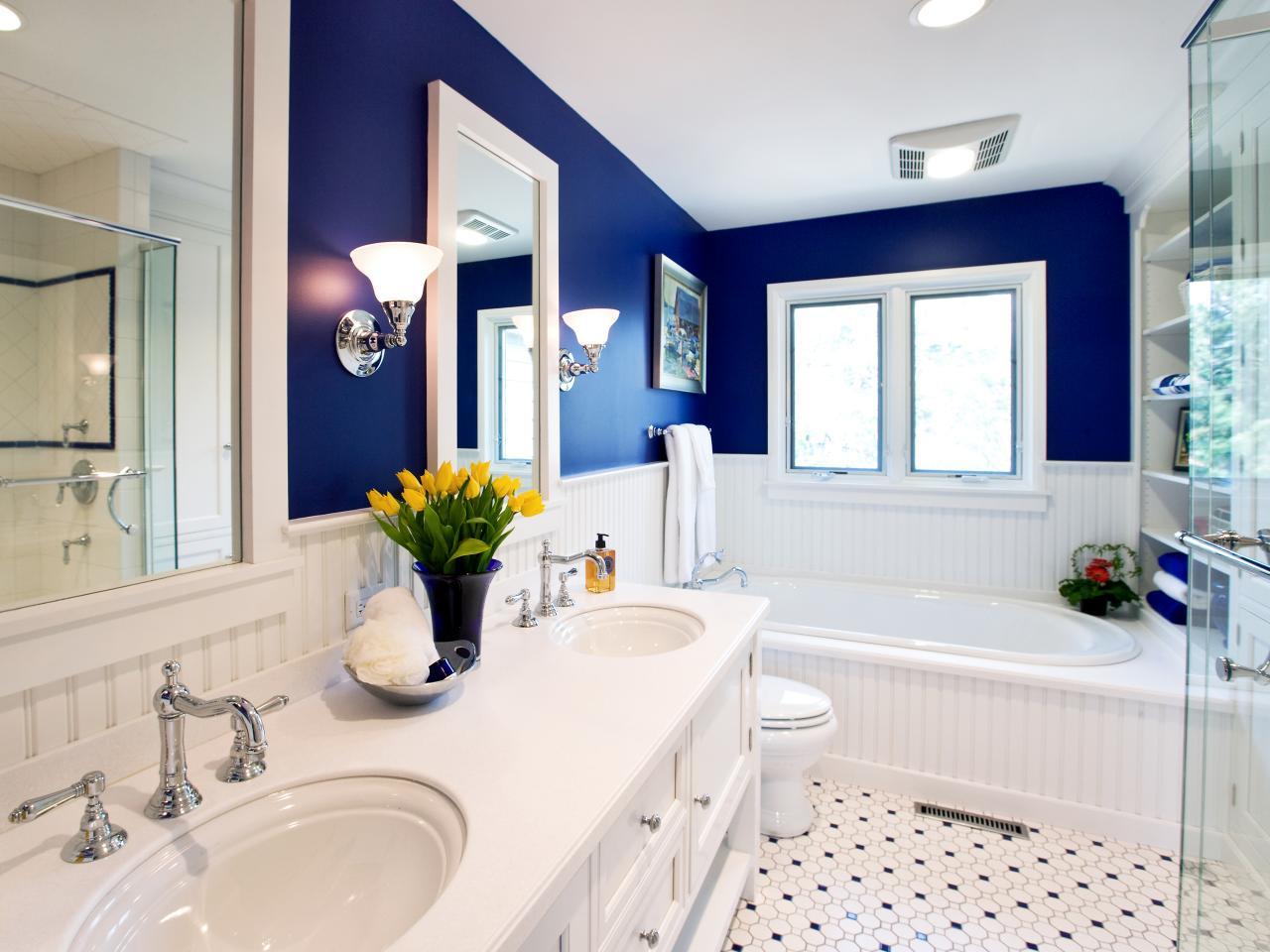 gail-drury-blue-bathtub.jpg.rend.hgtvcom.1280.960