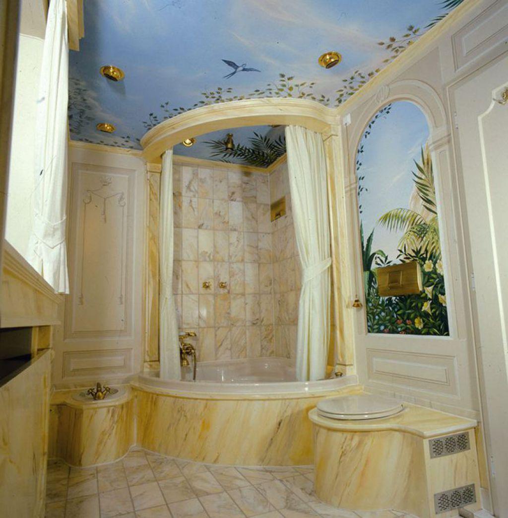 mural-bathroom-ceiling-design