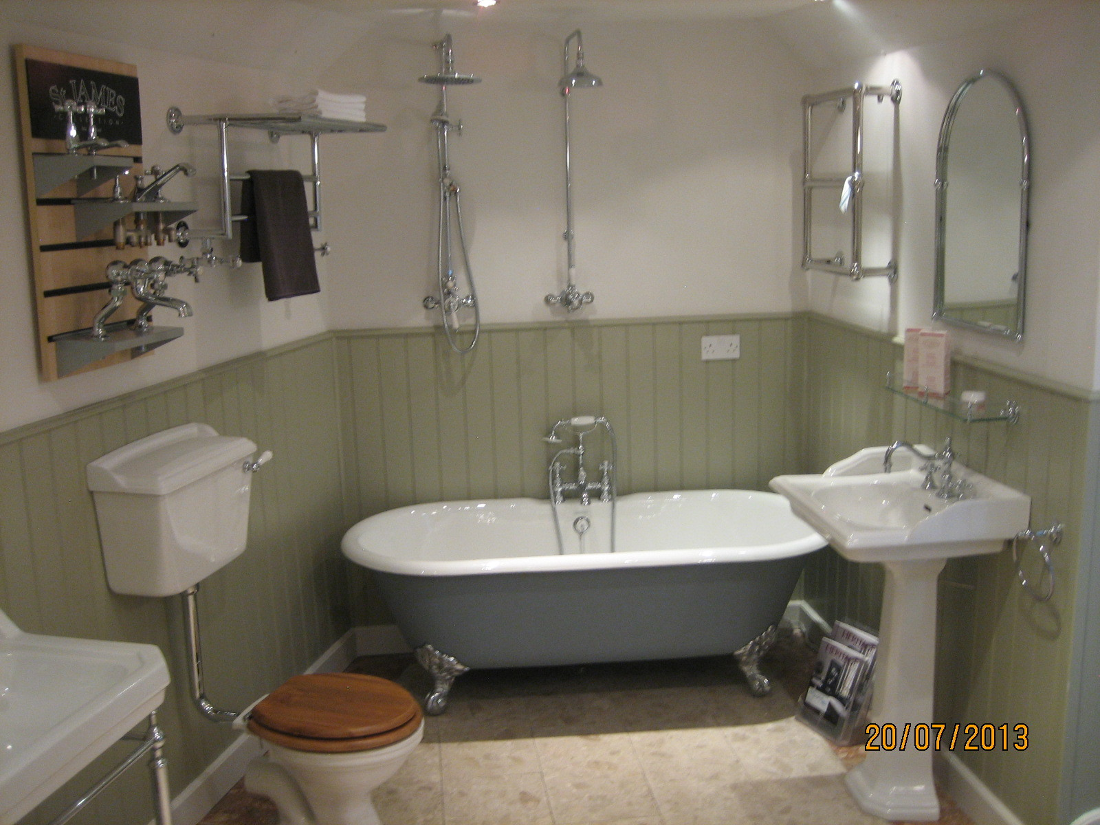 ... Traditional Bathroom As Traditional Bathroom Designs And The  ...