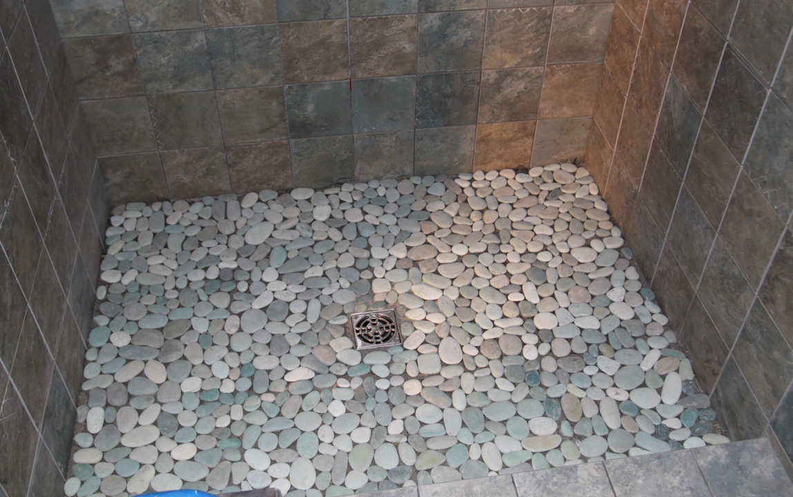 26 nice pictures and ideas of pebble bath tiles for What type of tile for bathroom floor