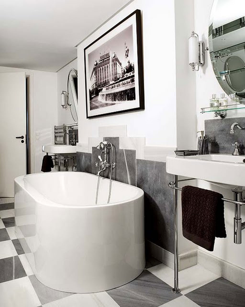 Art-Deco-Bathroom-Designs-With-Bath-Tub-Black-and-White-TIles-also-Picture-Frame-on-Top