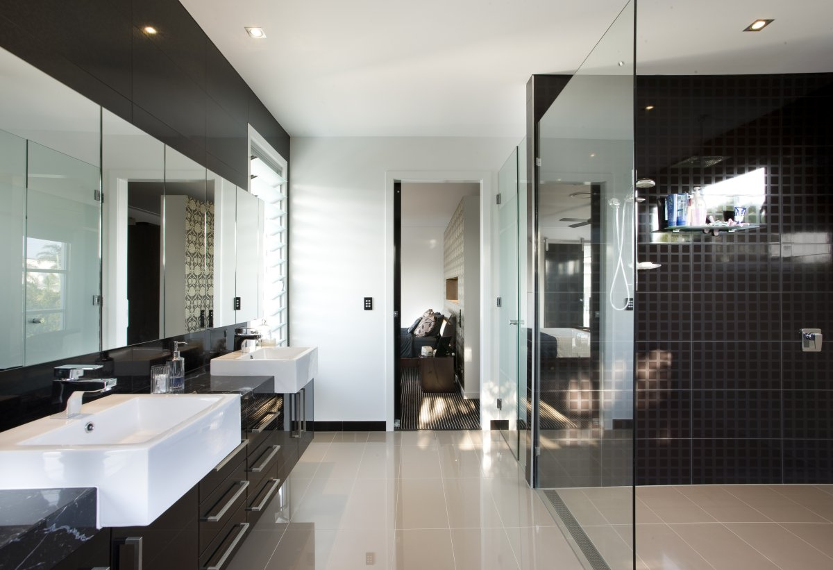 Bathroom-Design-Idea-With-White-Wall-Paint-Color-Combined-Black-Wall-Tiles-And-Cream-Tiled-Floor-Also-Spacious-Shower-And-Elegant-Vanity-Cabinet-And-Rectangular-Vessel-Sinks