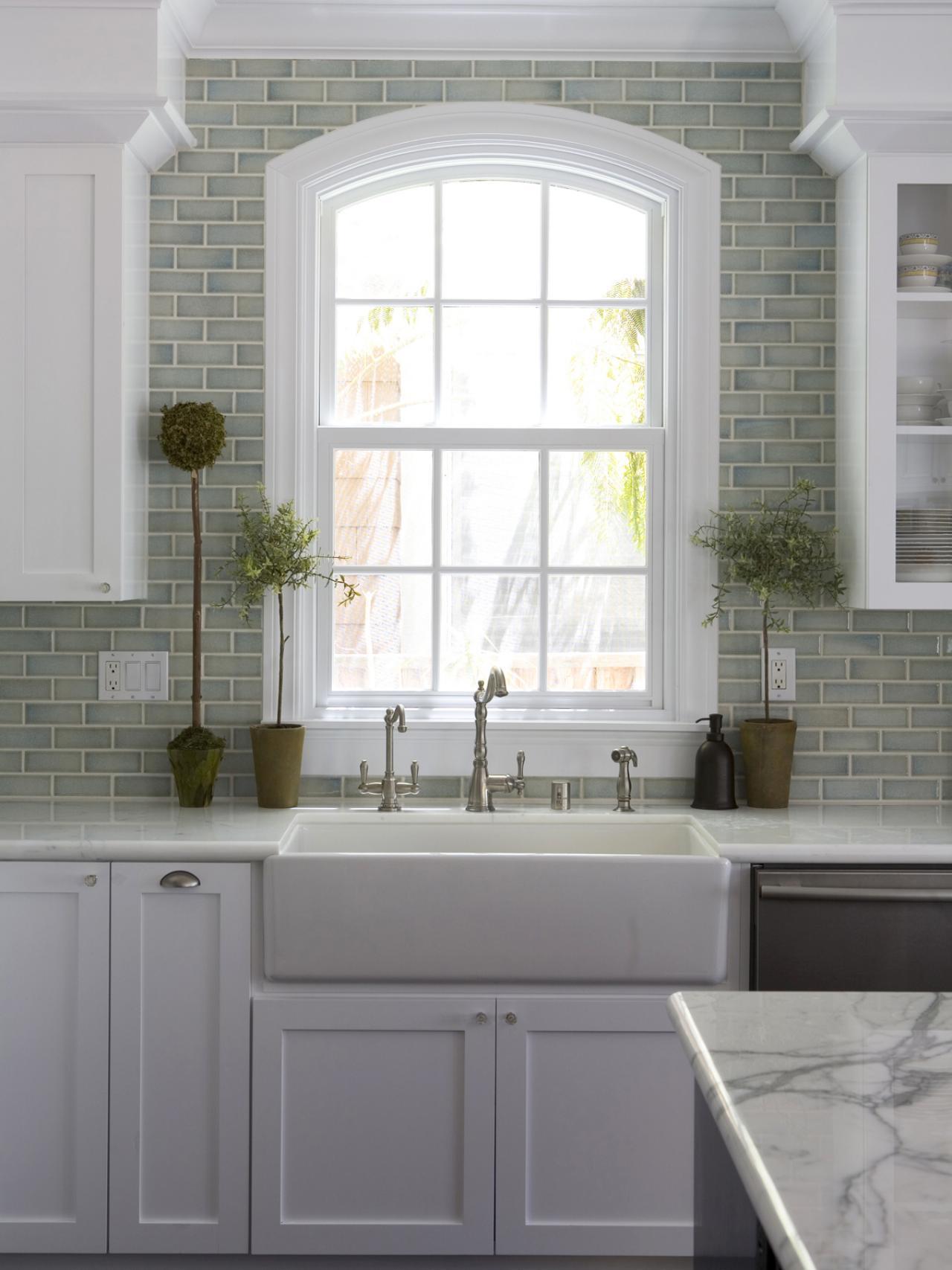 DP_Fiorella-Design-White-Kitchen-Sink_s3x4.jpg.rend.hgtvcom.1280.1707