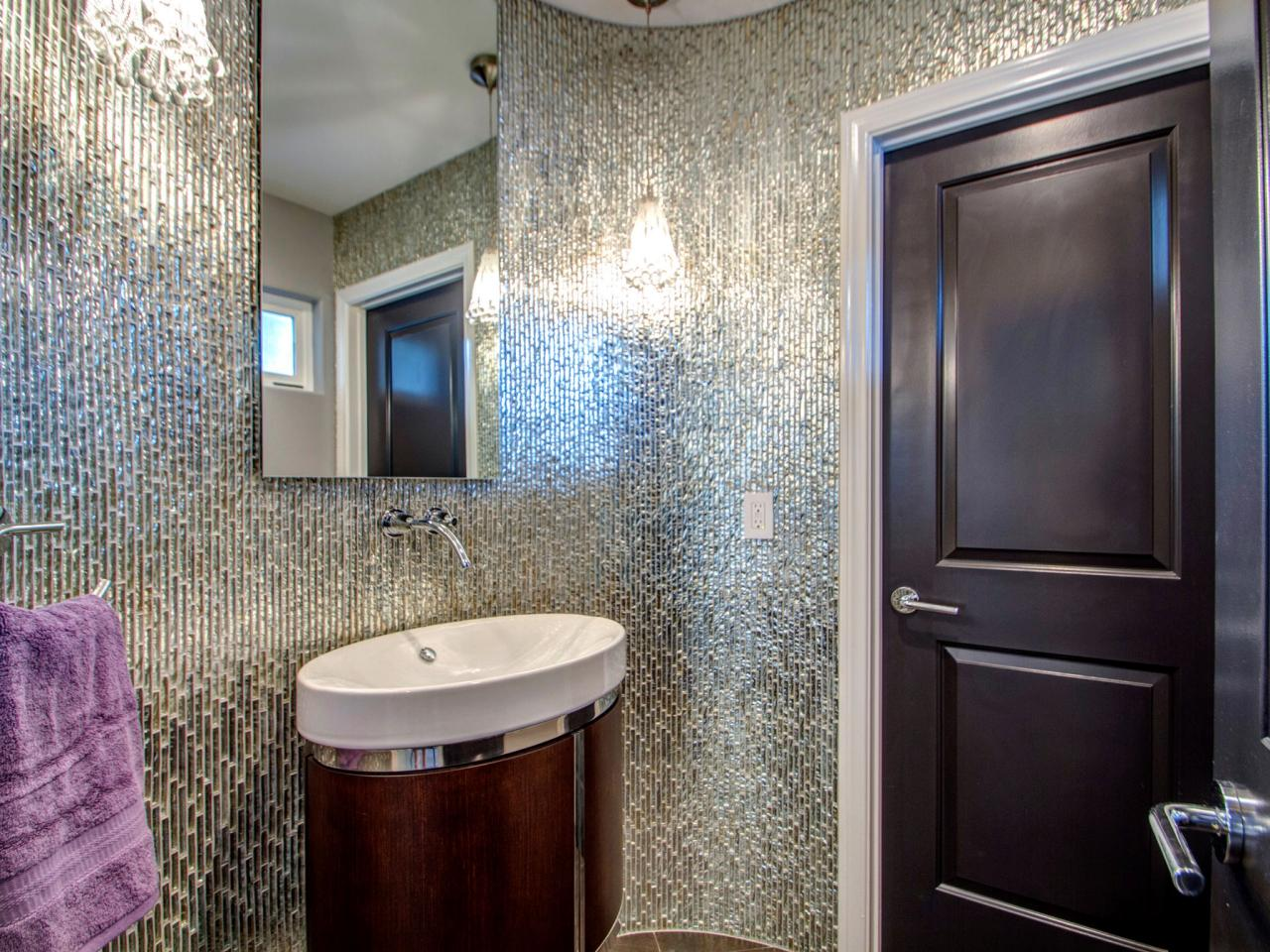 DP_Jackson-Design-And-Remodeling-gray-contemporary-bathroom-tile_v.jpg.rend.hgtvcom.1280.960