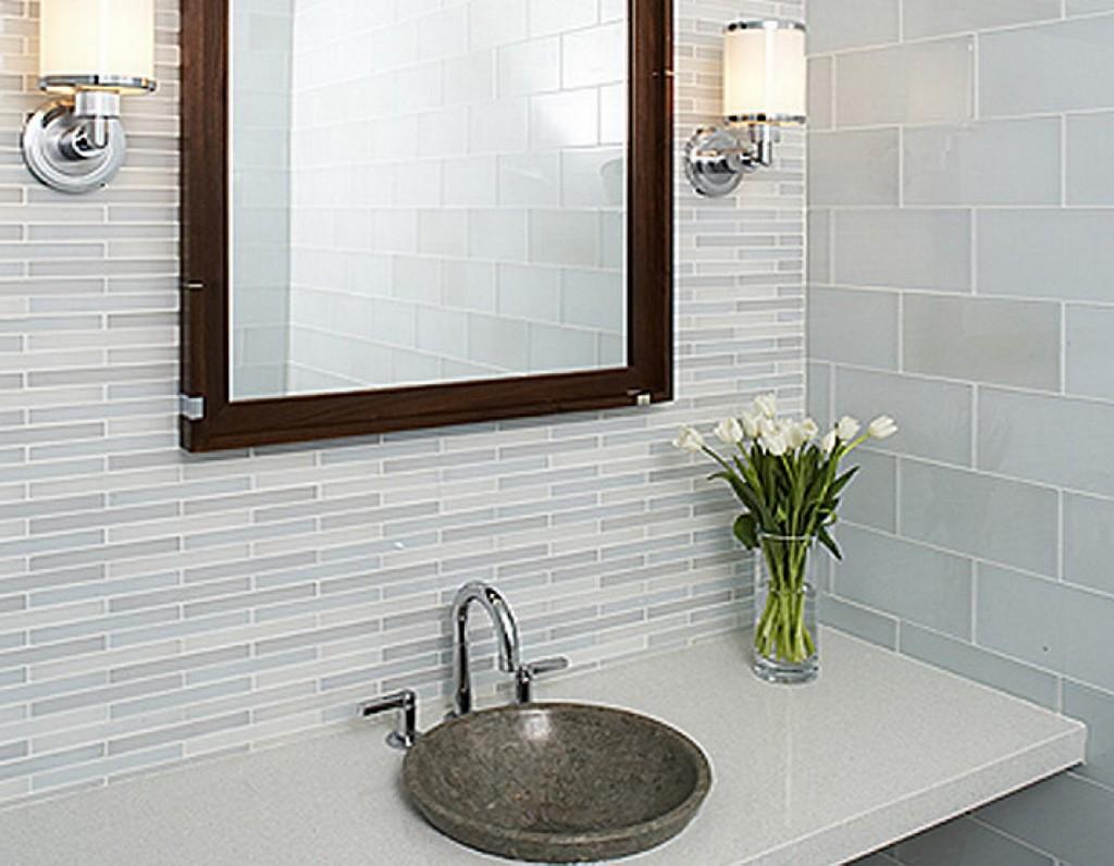 Fantastic-White-Small-Bathroom-Tile-Design-Ideas