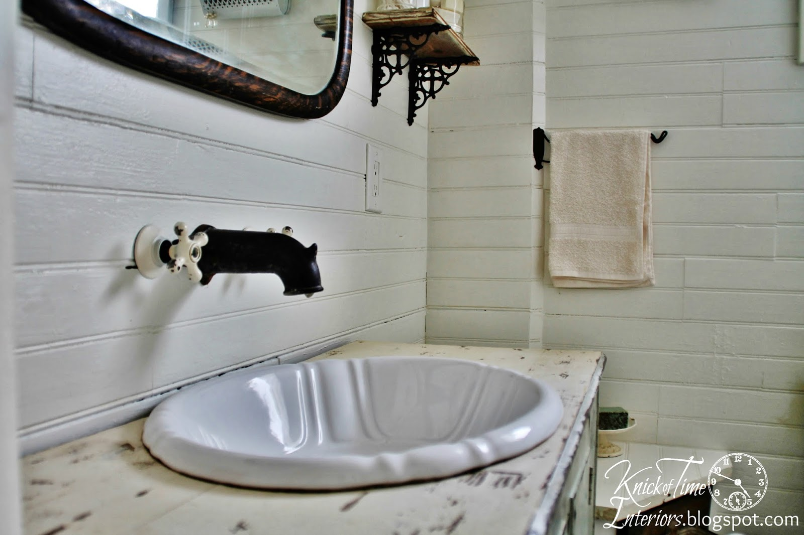 Farmhouse Bathroom (2)