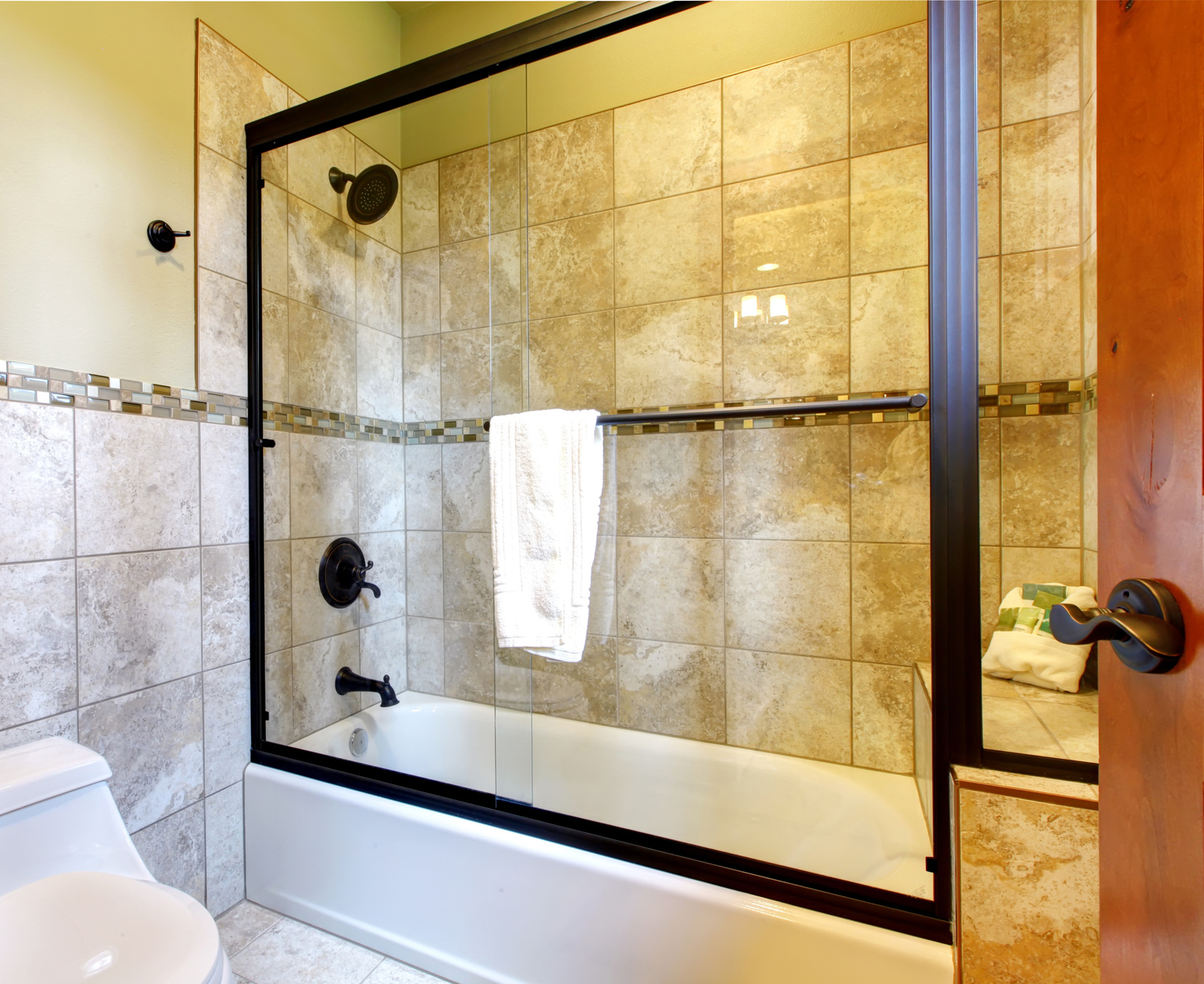 Bath And Shower Combo Tub Amp Shower Walls American