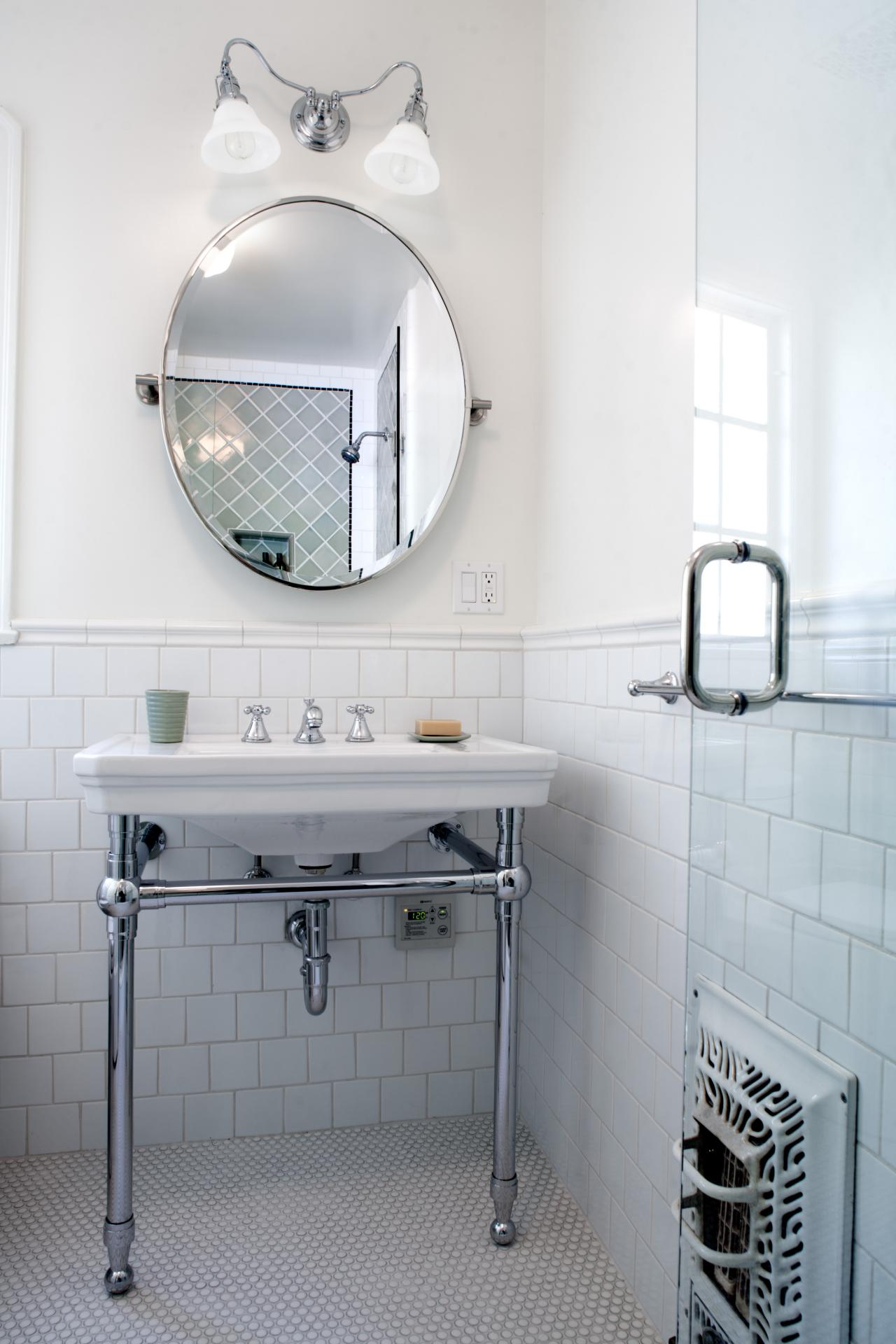 Jeff-Troyer-Associates_Whitley-Heights-Residence_Guest-Bath.jpg.rend.hgtvcom.1280.1920