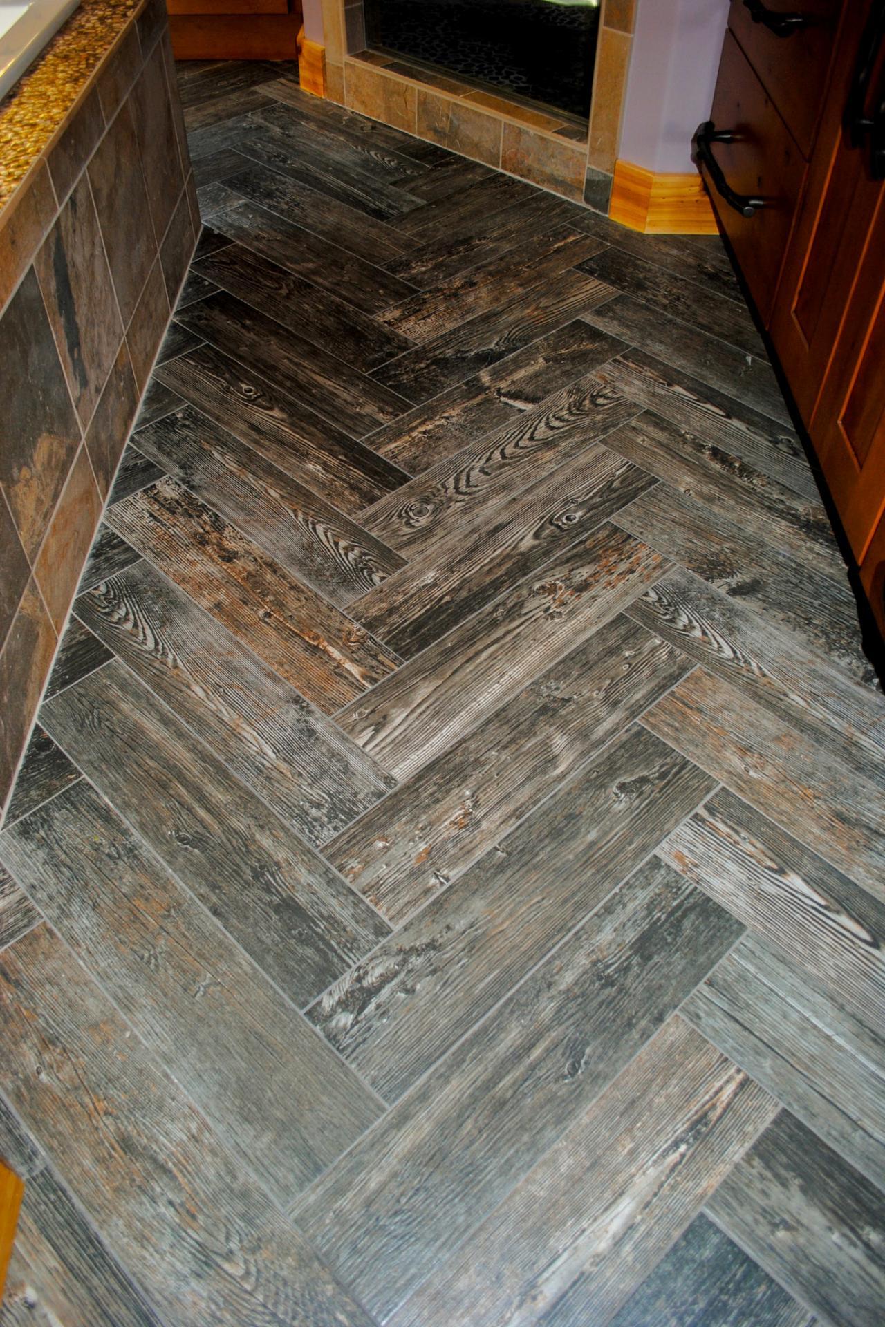 Jessica-Altman_Log-Cabin_Master-Bath-Flooring.jpg.rend.hgtvcom.1280.1920