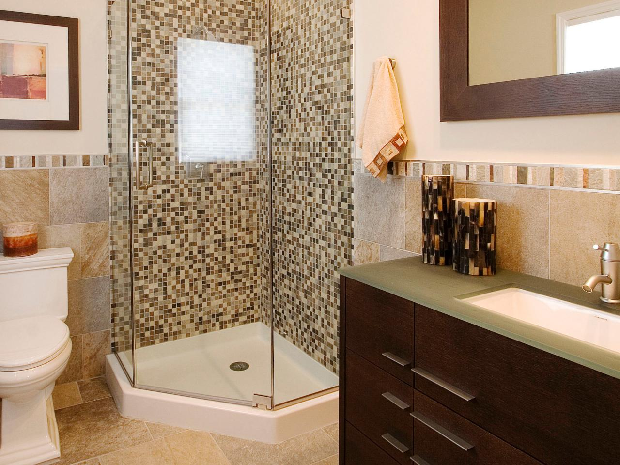 SP0022_RX-small-shower-bath_s3x4.jpg.rend.hgtvcom.1280.960
