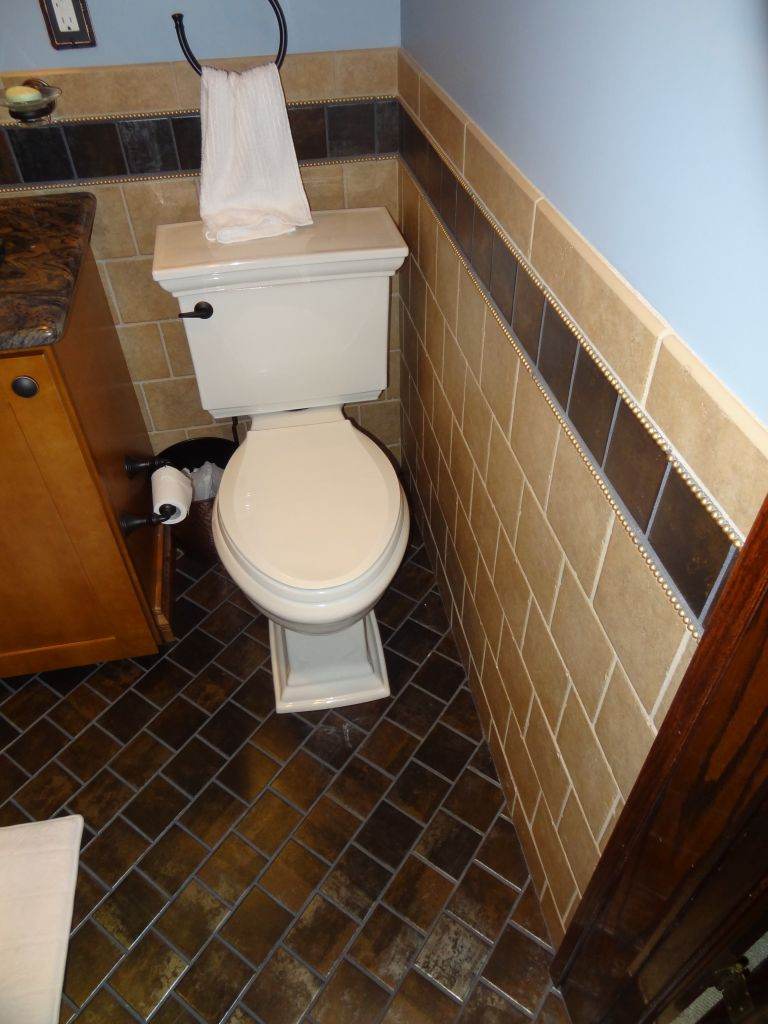 Small-bathroom-tile-patten-and-design