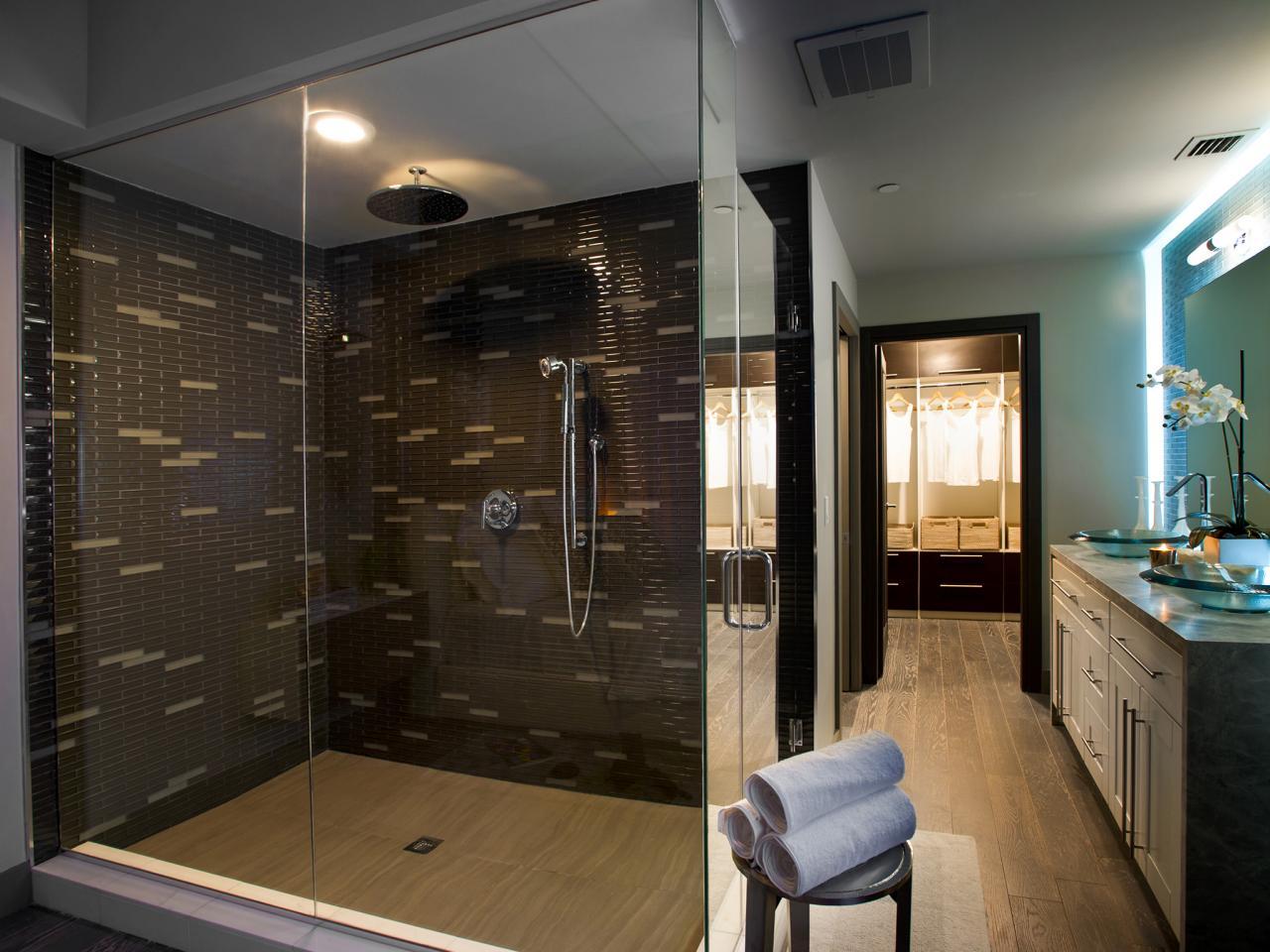 UO2012_Master-Bathroom-01-Wide-EPP0254_s4x3.jpg.rend.hgtvcom.1280.960