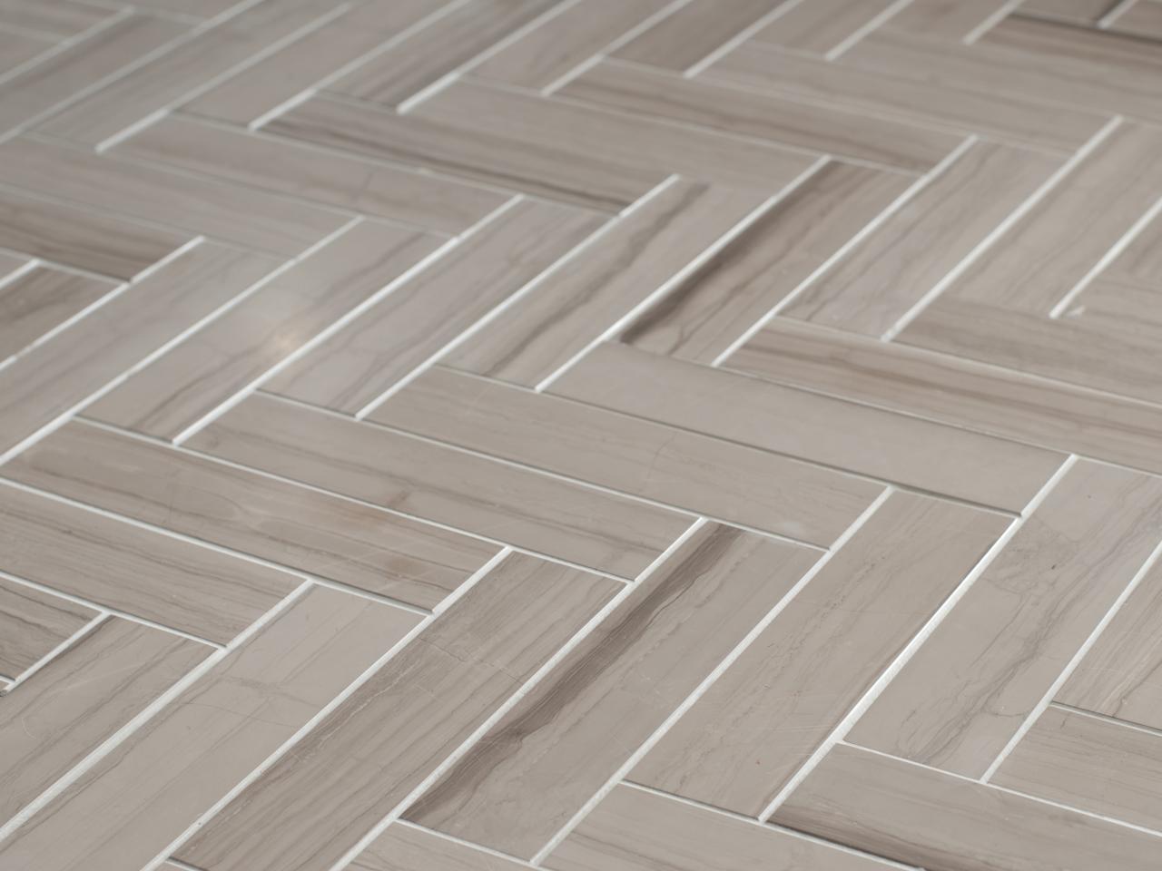 Urban10-Bath_20-tile-floor-detail-BC27663_s4x3.jpg.rend.hgtvcom.1280.960