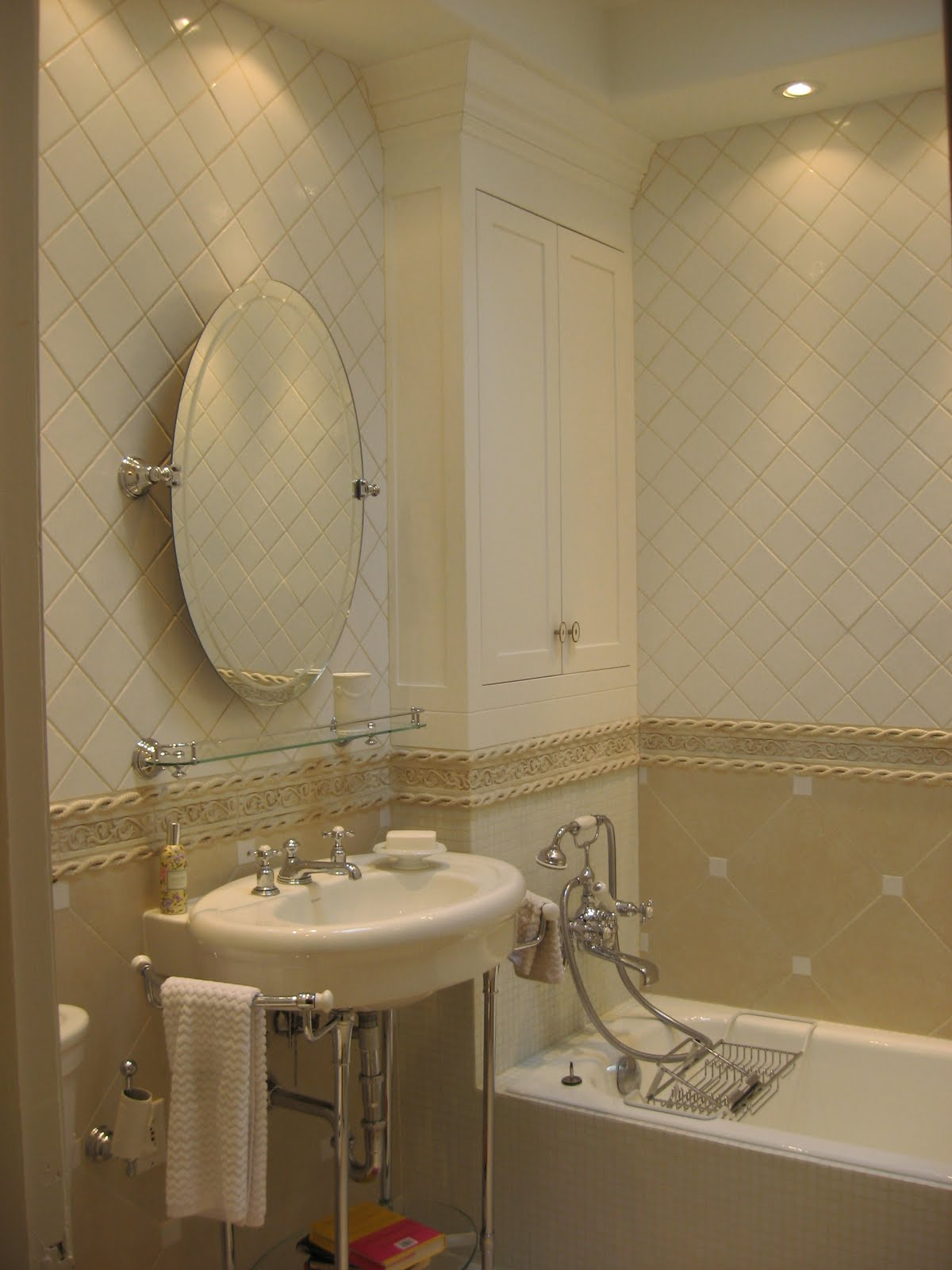 bathroom-elegant-contemporary-small-design-ideas-with-gorgeous-bathroom-wall-tile-designs