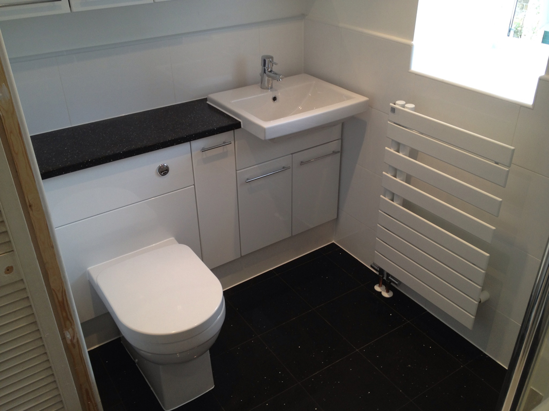 bathroom-flooring-options-tiled-quartz
