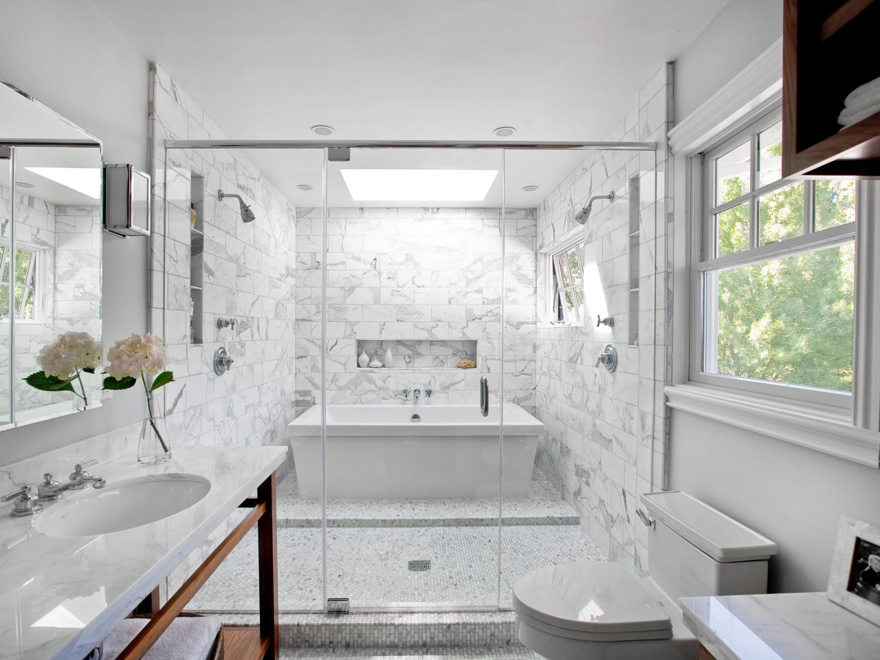 bathroom-simple-and-neat-image-of-white-bathroom-decoration-using-white-marble-high-end-bathroom-tile-including-in-wall-white-marble-tile-bathroom-flooring-and-white-marble-bathroom-vanity-tops-inter
