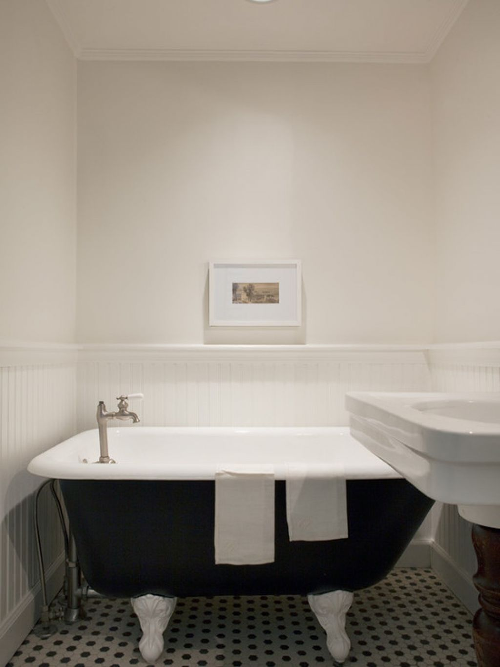 captivating-bathroom-painting-ceramic-tiles-flooring-combination-design