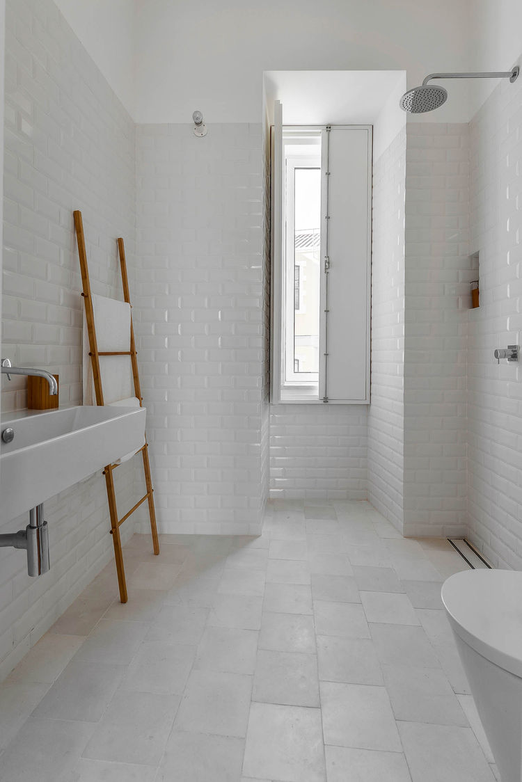 30 good ideas and pictures classic bathroom floor tile patterns casa na bright bathroom doublecrazyfo Gallery