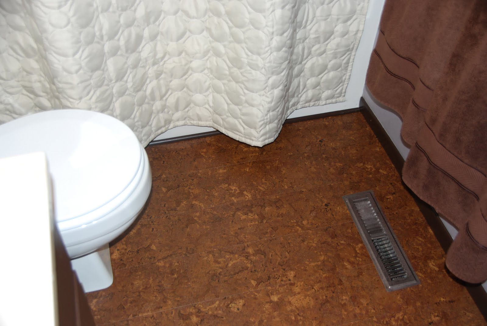 30 cool pictures of cork bathroom floor tiles ideas color of cork bathroom flooring dailygadgetfo Images