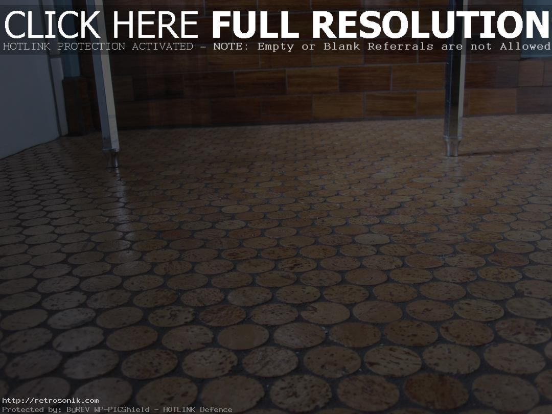 cork-floor-bathroom