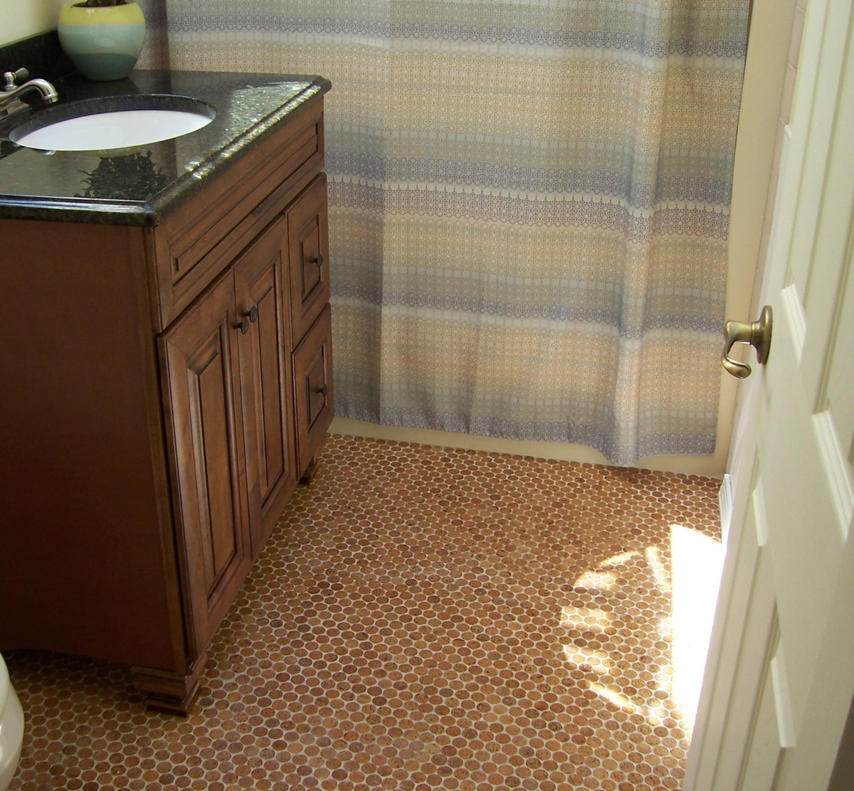 Good ... Cork Flooring Bathroom Use ...